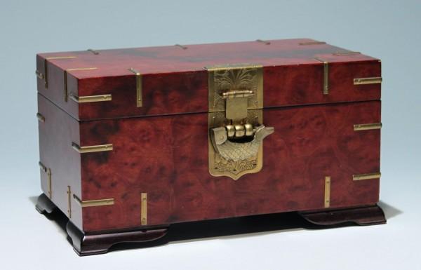 Schatulle Kassette aus Holz - China 2. H. 20. Jh.