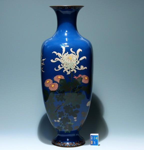 Tall Cloisonné Meiji Chrysanthemum Vase - Japan circa 1900 - 61,5 cm