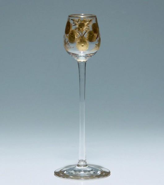Hohes Jugendstil Likörglas mit vergoldeter Gravur um 1900
