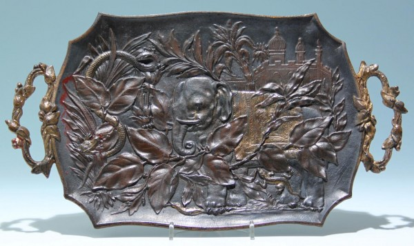 Cast Iron Tray with Colonial Elephant Motif - 2. H. 19th.
