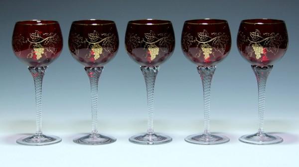 5 Bohemia Crystal Rubinglas Weingläser mit geätztem Weinlaub 1970er J. 19 cm-Copy