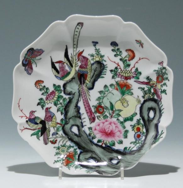 Macau Porcelain Plate - 2nd H. 20th. C.