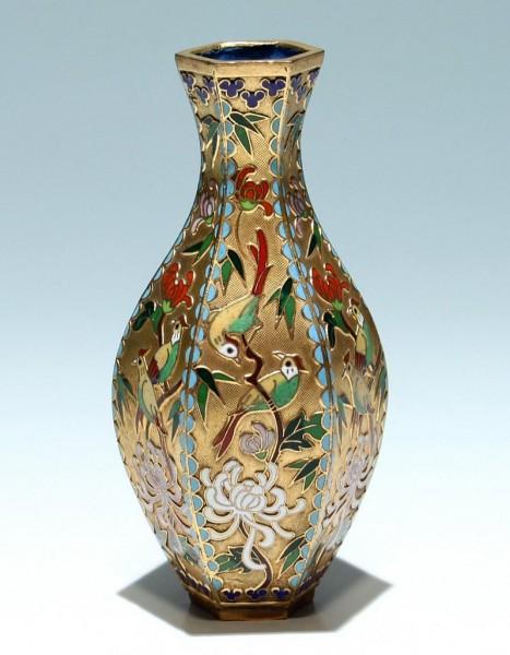 Sechsseitige Cloisonné Vase - China 20. Jh.