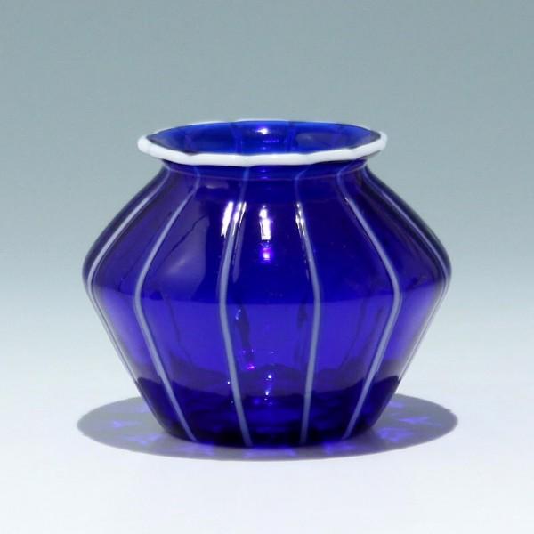 """Loetz Vase """"Blau mit weissen Streifen"""" - Höhe 8,5 cm"""
