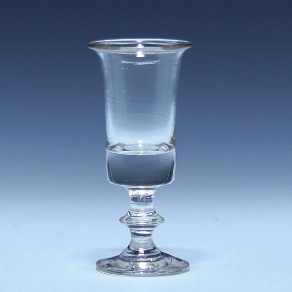 Schnapsglas mit ausgelipptem Rand - 19. Jh. - 11,2 cm