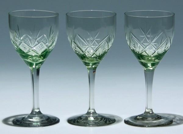 3 grüne Weingläser 1. H. 20. Jh. - 15 cm