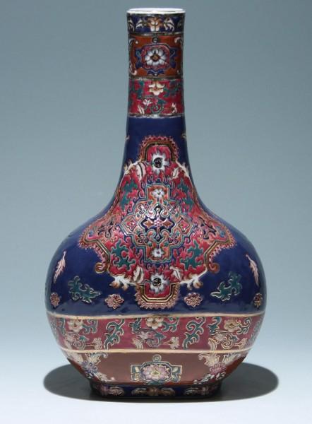 Chinesische Porzellanvase im Qianlong Stil - 20. Jh. 37 cm