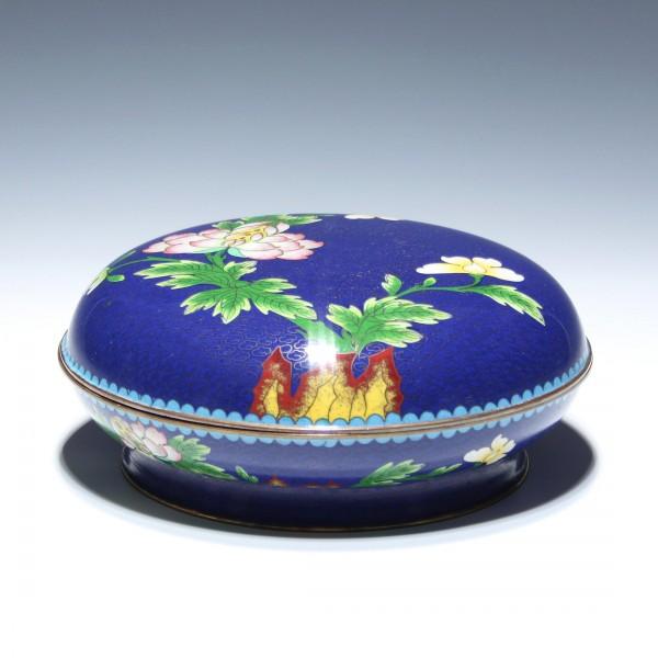 Große Cloisonné Dose mit Blütendekor - China 20. Jh. - Ø 18,3 cm