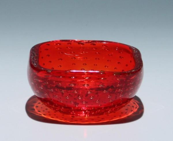 Roter Murano Glas Ascher mit Luftblasennetz