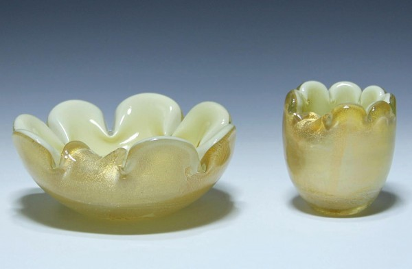 Two Murano Glass Ashtrays with Gold Foil Inlay - Italy 1950s