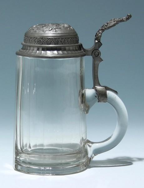 Mundgeblasener Bierkrug mit Zinndeckel um 1900