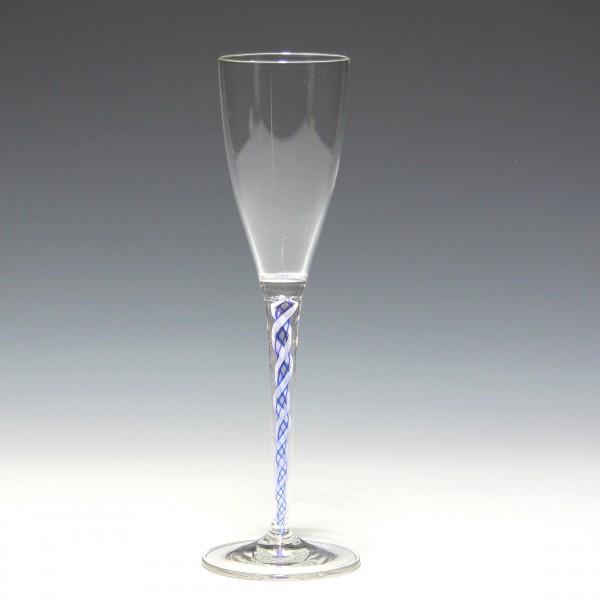 Sherryglas mit Blauweißer Fadenspirale - Ende 20. Jh.
