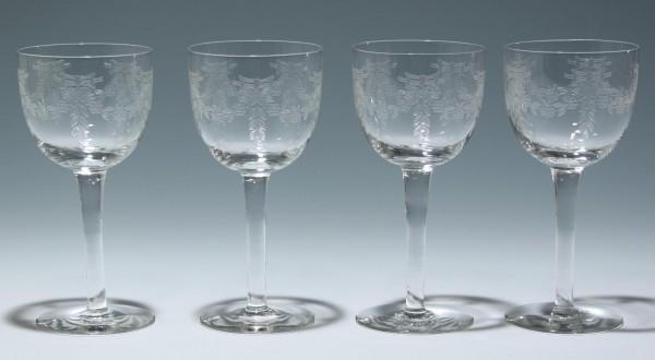 4 Weingläser mit geätzter Blumengirlande circa 1910