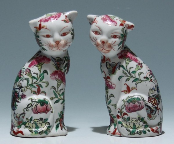 Pair of Chinese Famille Rose Imari Cats - Early-Mid of 20th C.