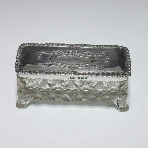 Geschliffene Tabatiere Glasdose mit Silberdeckel - England um 1900