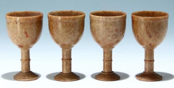 4 kleine Pokale aus Speckstein