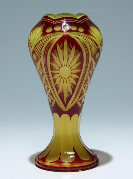 Zweifarbige Jugendstil Überfangglasvase - Böhmen um 1900