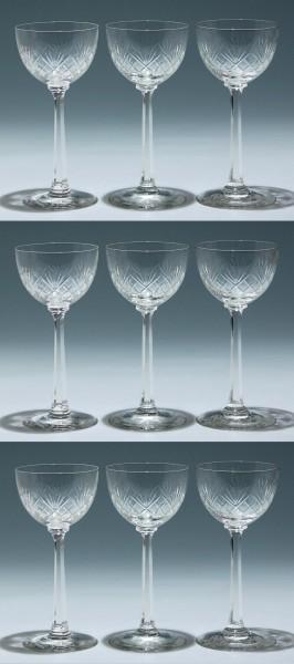9 Jugendstil Weingläser mit Schliffdekor - 18,7 cm