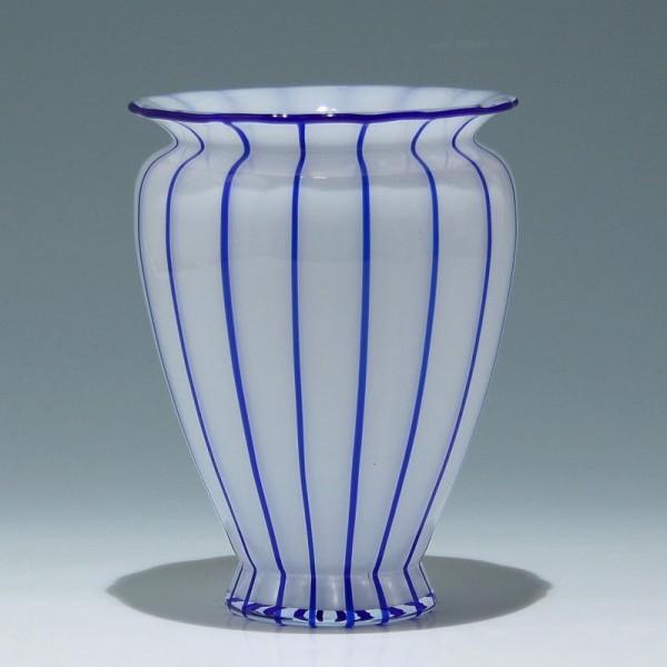 """Loetz Vase """"Weiss mit blauen Streifen"""" - Höhe 19,3 cm"""