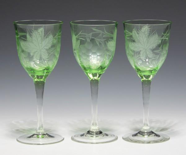 3 Art Deco Weingläser mit Weinlaubdekor - 1930er Jahre