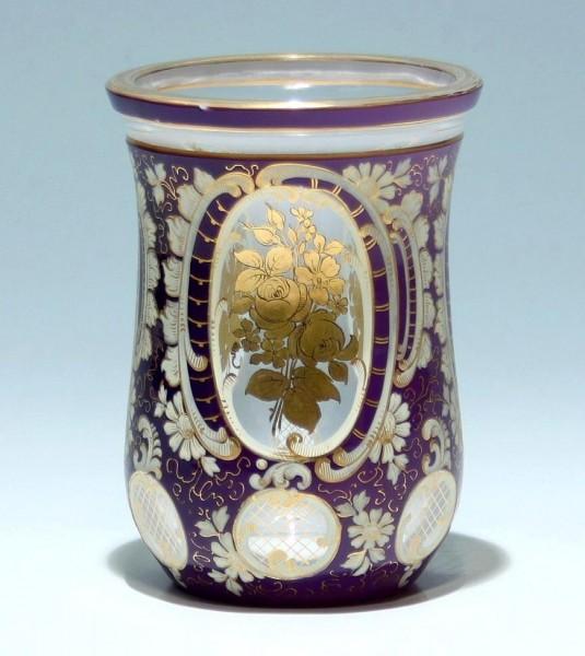 Goldbemalter Überfangglas Biedermeierbecher - Böhmen circa 1845