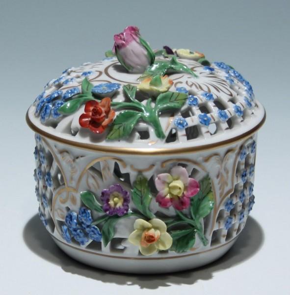 Dresden Potschappel Dose mit Blütendekor