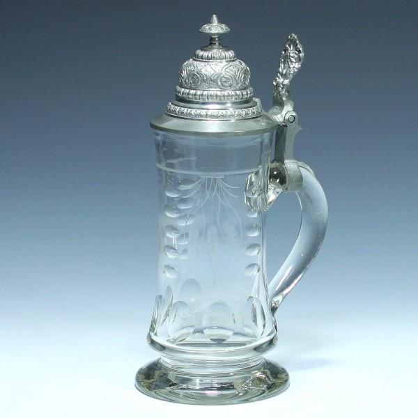 Formgeblasener Bierkrug mit Gerstenmotiv - 0,5 L. um 1900