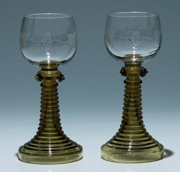 Paar Römer mit Weinlaubgravur um 1890