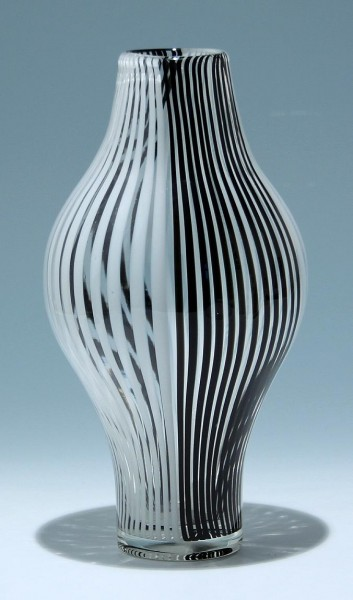 Moderne Glasvase mit Fadendekor - 27,5 cm