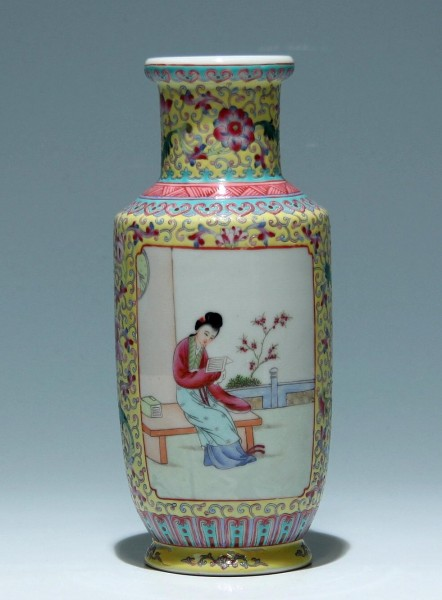 Nice handpainted Chinese Rouleau Vase - Mid of 20th C.