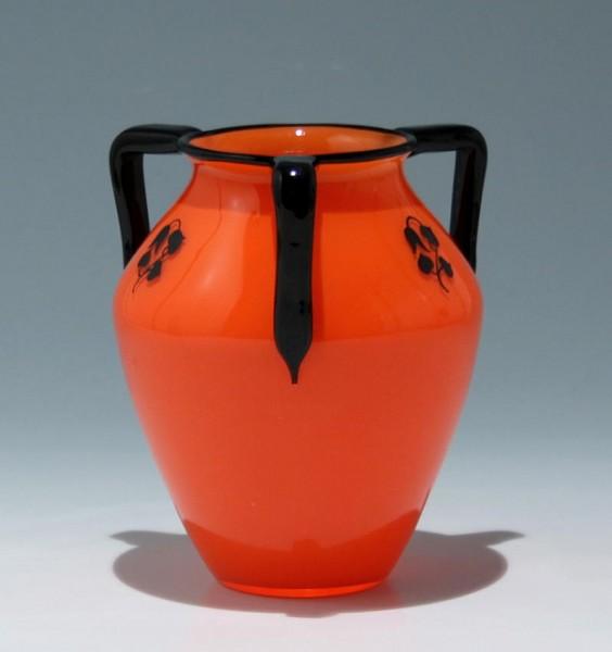 Loetz Vase mit Schwarzlotbemalung um 1915 - Höhe 16 cm