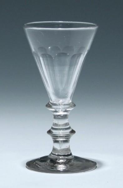 Mundgeblasenes Kelchglas mit Schliff - 19. Jh.