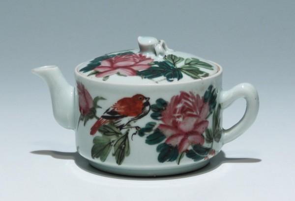 Small Handpainted Chinese Teapot circa 1900