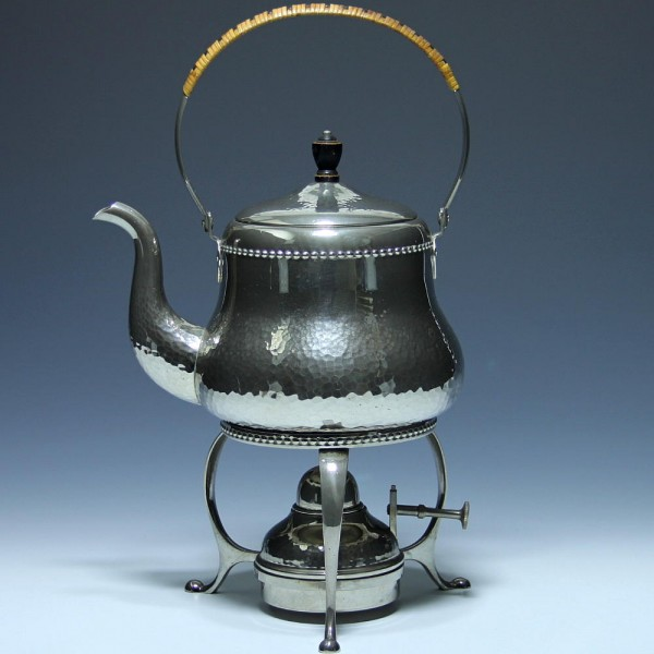Jugendstil Teekanne auf Rechaud um 1910