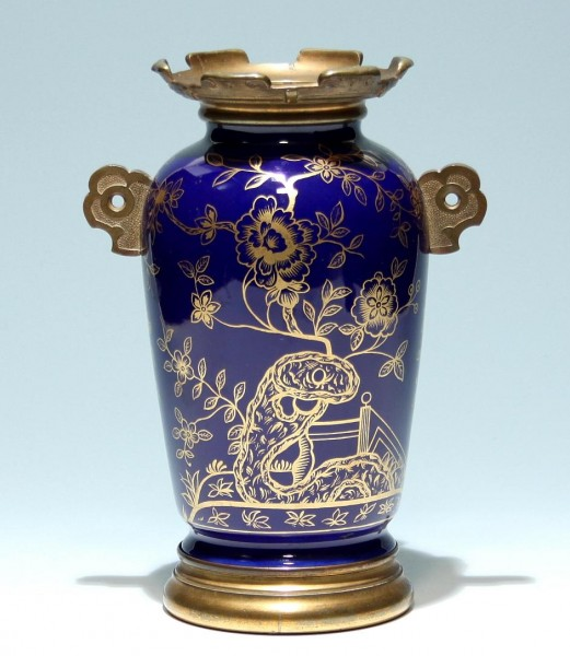 Porzellanvase mit Bronzemontierung - Japan 1. H. 20. Jh.