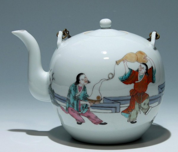 Big Chinese Famille Rose Teapot - 20th Century