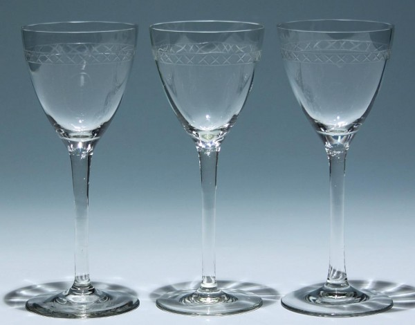 3 Art Deco Weingläser - optisch mit Kreuzschliffbordüre - 18,4 cm