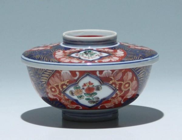 Tasse mit Deckel mit Imari Dekor - Japan 20. Jh.