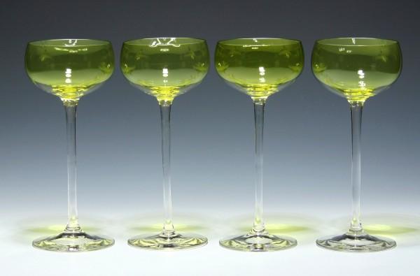 4 Jugendstil Weingläser mit pistachefarbenem Kelch - außen stark berieben-Copy