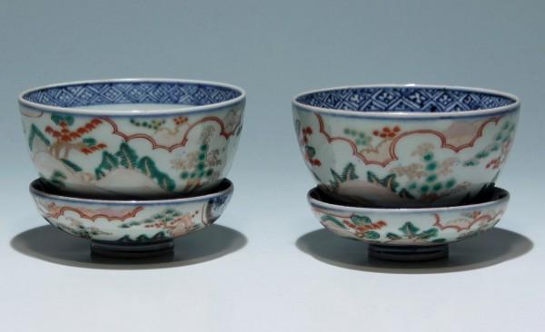 2 Tassen mit Deckel mit Imari Dekor - Japan 1. H. 20. Jh.
